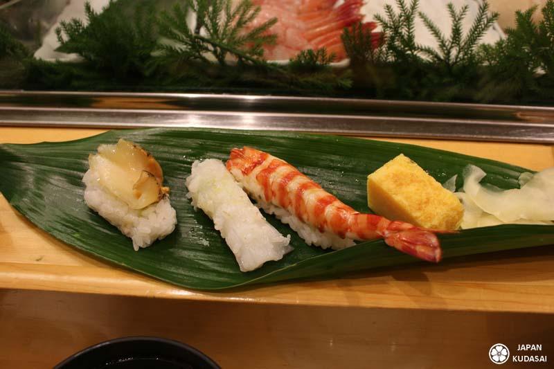 Menu de sushis à Tsukiji.
